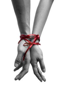 hands w:ribbon